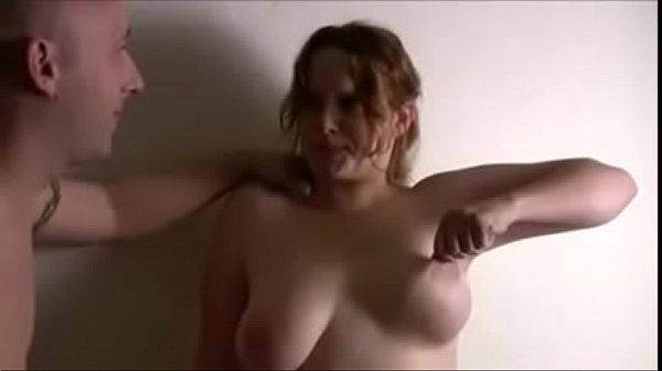 Трахает огромную бабу видео