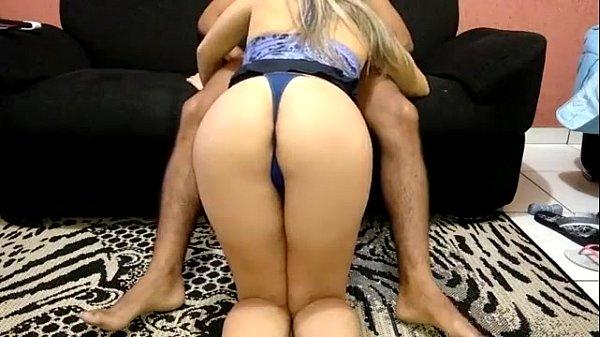 www.videosmais18.com - Loira gostosa chupando e sentando na rola Thumb