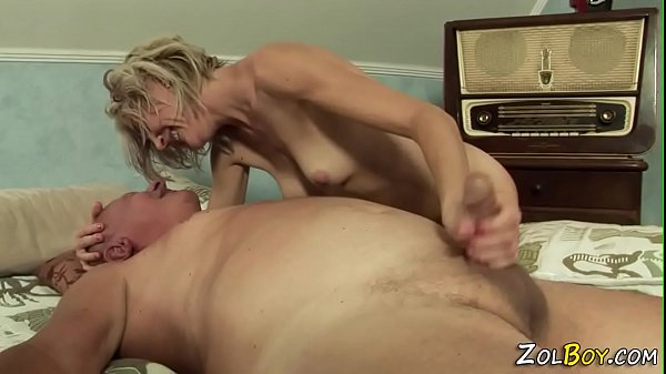 Milf pisses into mouth Thumb