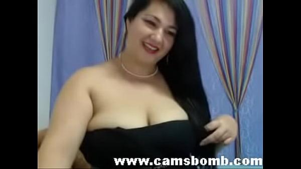 busty brunette on webcam – www.camsbomb.com