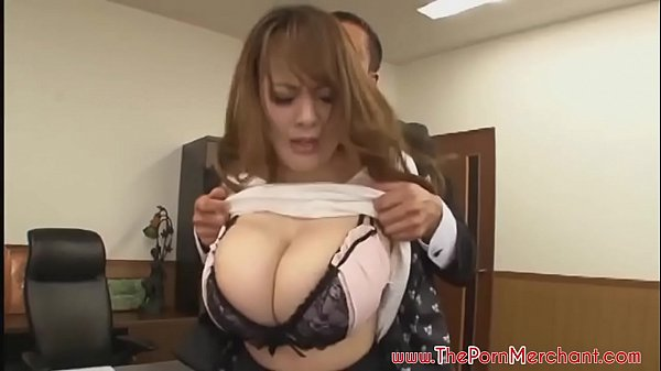 Hitomi Tanaka are tatele incredibil de mari