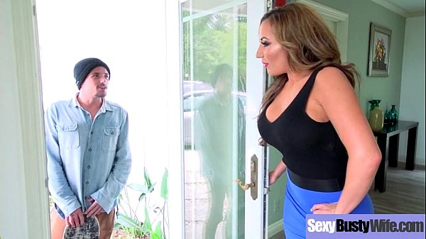 Sexy Housewife (Richelle Ryan) With Big Jugss N...