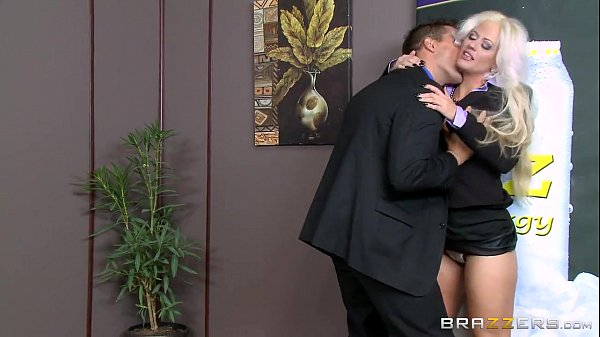 Brazzers - Holly Heart - Big Tits at Work  thumbnail