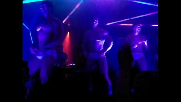 Ютуб голые парни