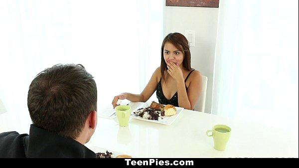 TeenPies - Mexican Cutie (Zoey Velez) Wants Creampie For Dessert