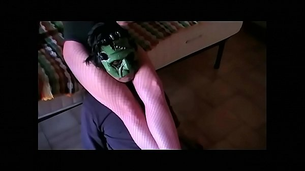 Scissor and Throat Trampling (preview from Fetish Obsession) Thumb