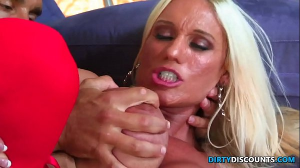 Busty milf with big clit Thumb