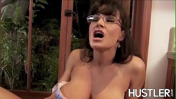 Lascivious Lisa Ann bounces on cock after oral sex