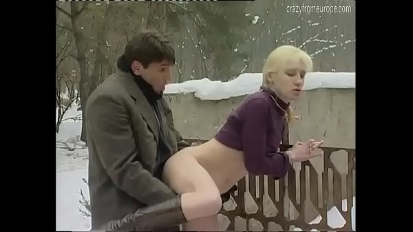 She's caught pissing outdoor in the snow