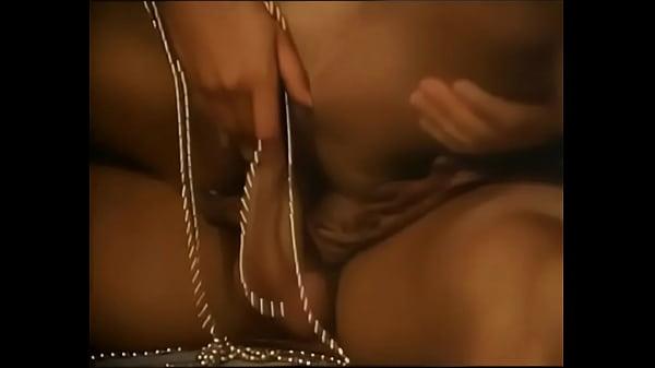 marko-polo-porno-film-s-perevodom-retro-naturalnih-zhenskih-grudey-onlayn