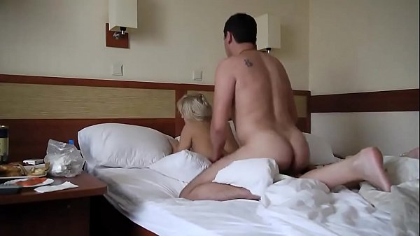 Amateur lover fucked on bed