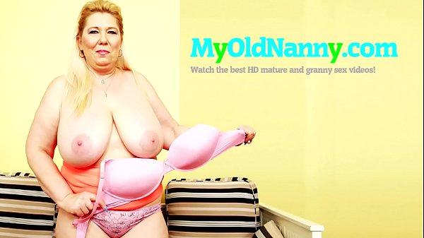 Дедушки и бабушки ивнучка занимается видео