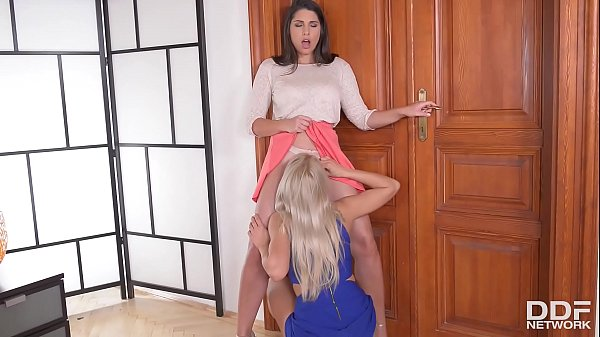 Anal gratification for butt plug loving lesbians Zafira and Cherry Kiss Thumb