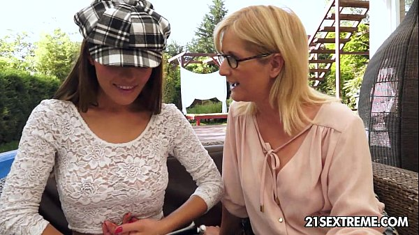 Dominica Fox and Jennyfer - Old Young Lesbian Love Thumb