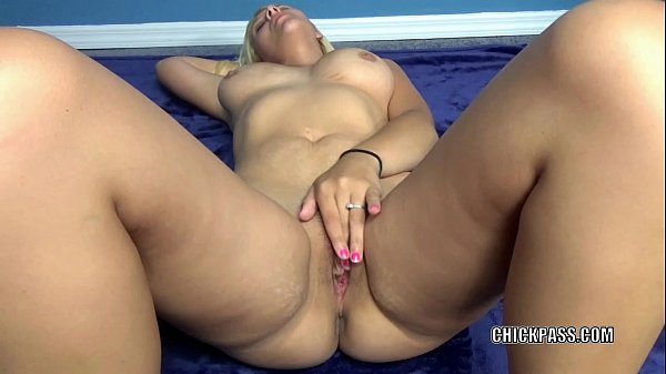 Innocent coed Brianna Johnson toys her hot young pussy