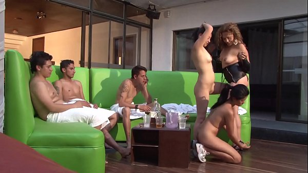 A blowjob ends in an orgy