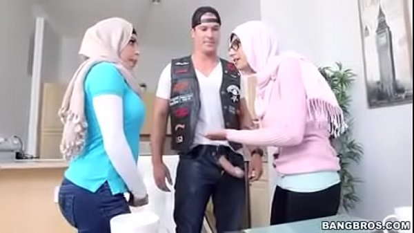 Mia Khalif exclusive nude group sex