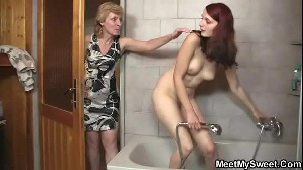 Видео шикарные мамочки, фото старой голой тещи с волосатой пиздой крупным планом