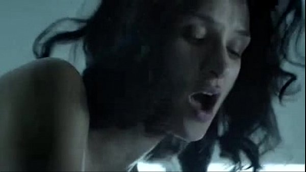 Naked Indira Varma in Hunted Thumb