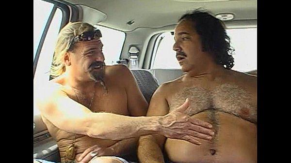 Чувственный секс с юной и худенькой блондинкой