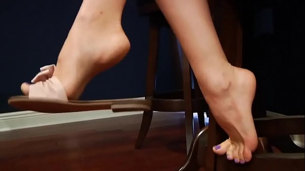 Cams4free.net - Dangling Tease in a Restaurant Bare Feet Thumb