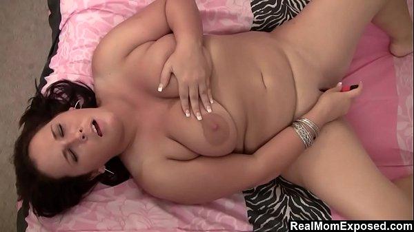 Horny Chubby MILF Toys Herself
