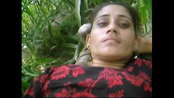 Beautiful Desi Village Girl  Outdoor Fucking With Boyfriend Thumb