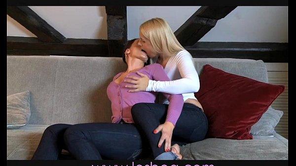 Lesbea Milf pleasures hot blonde teen Thumb