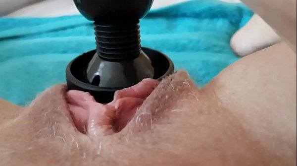 Squirting pulsing pussy