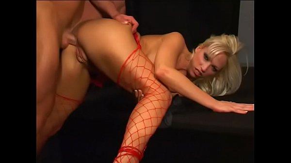 Delectable vixen gives a blowjob then gets fucked hardcore