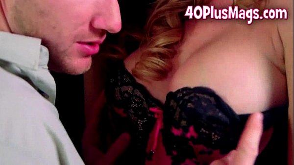 Порно с бывшей супругой блондинкой