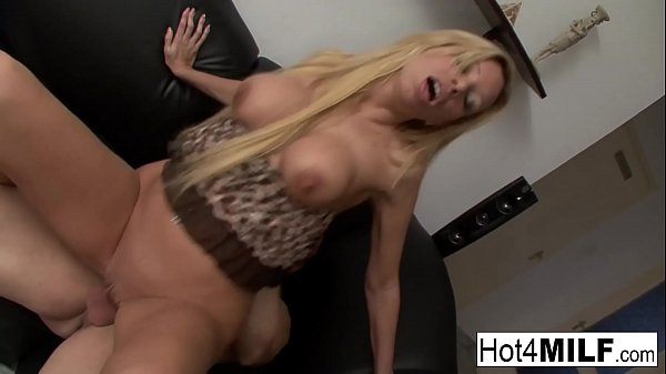 Hot Hungarian MILF gets cum on her big tits Thumb
