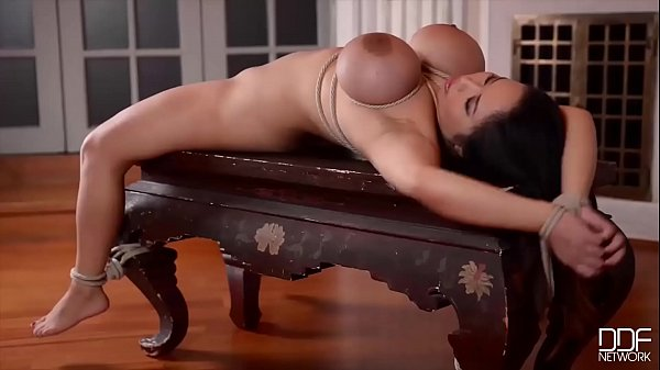 Fetish Lesbians Liona & Lulu Love Ass Fucked By Dominatrix Kayla Green
