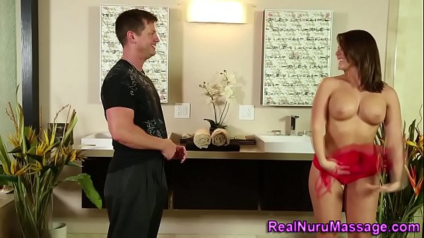 Русский секс баба ссыт мужику в рот