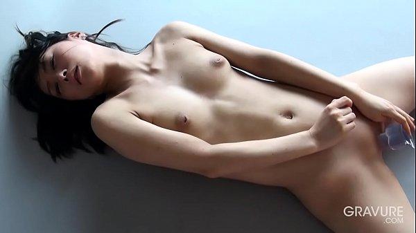 Gravure.com idol Reika Yamada 山田玲華 shaved pussy dildo masturbation