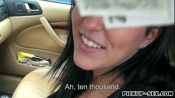 Студентка отсосала у таксиста за деньги