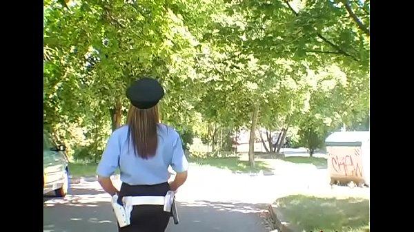 Раб и госпожа лизать ноги видео