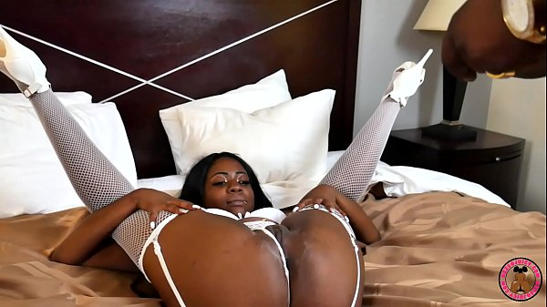 New pornstar Fantasy Vee in first Gangbang with 2 Big Black Dicks Thumb
