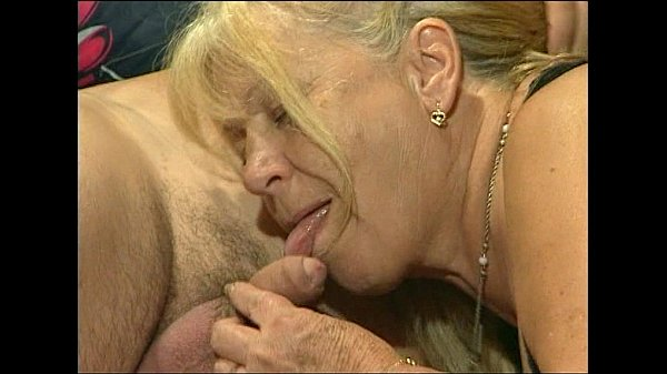 Любительское порно фото мамы и дочки