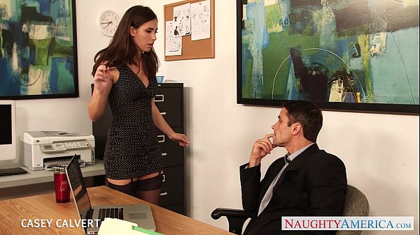 Beauty babe Casey Calvert fuck in the office Thumb