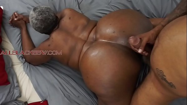 BIG BOOTY BLACK GRANNY
