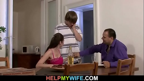 Porno marito guarda moglie cazzo ragazzo
