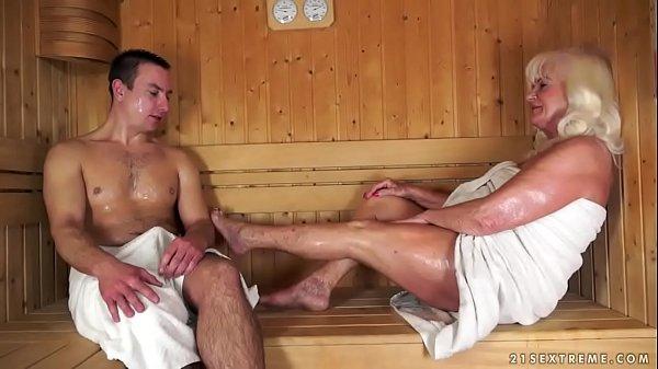 Смотреть видео бабуля в возрасте жистокий секс