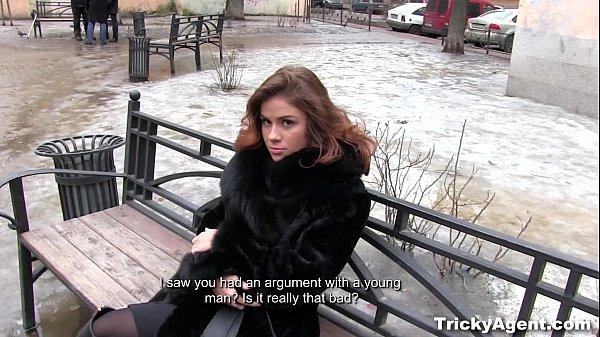 Порно с молодыми симпотичными моделями