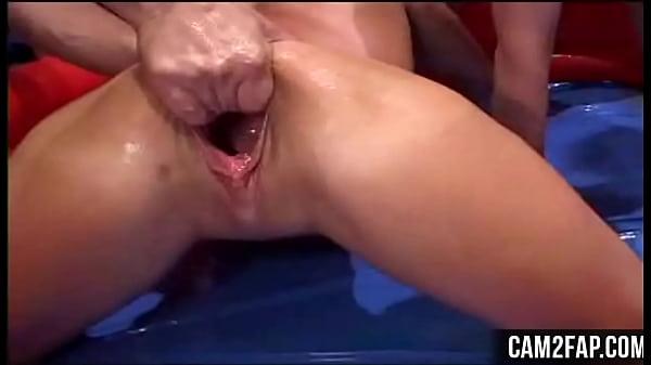 Порно жесткое гинеколог фистинг