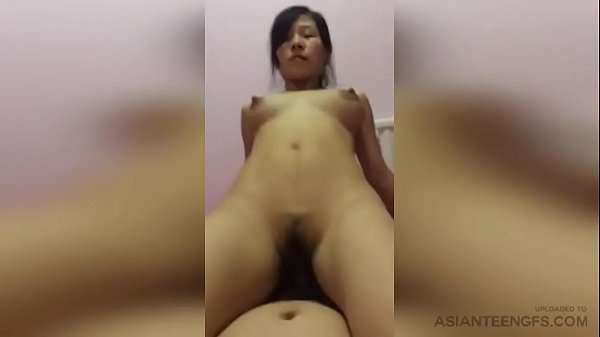 (HOMEMADE) Horny Chinese MILF rides the cock of her husband