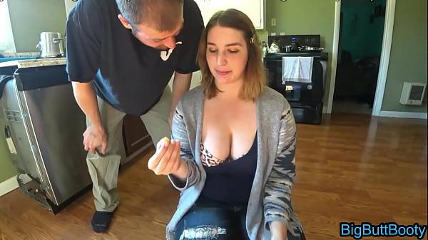 Basic Bitch Gets A Deep Creampie Thumb
