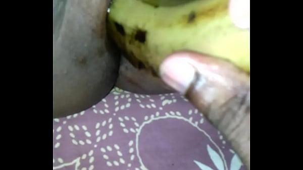Почему девушки мастурбируют овощами