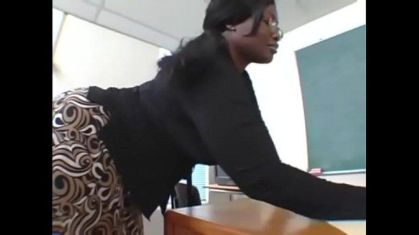 Негр толстый трахает учительница толстый