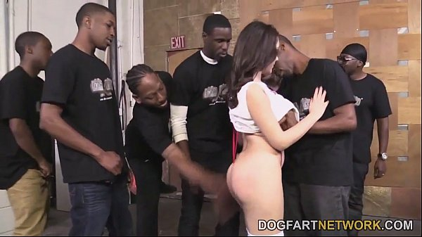 Valentina Nappi Orally Pleases A Bunch Of Black...
